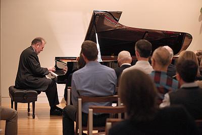 Garrick Ohlsson performs